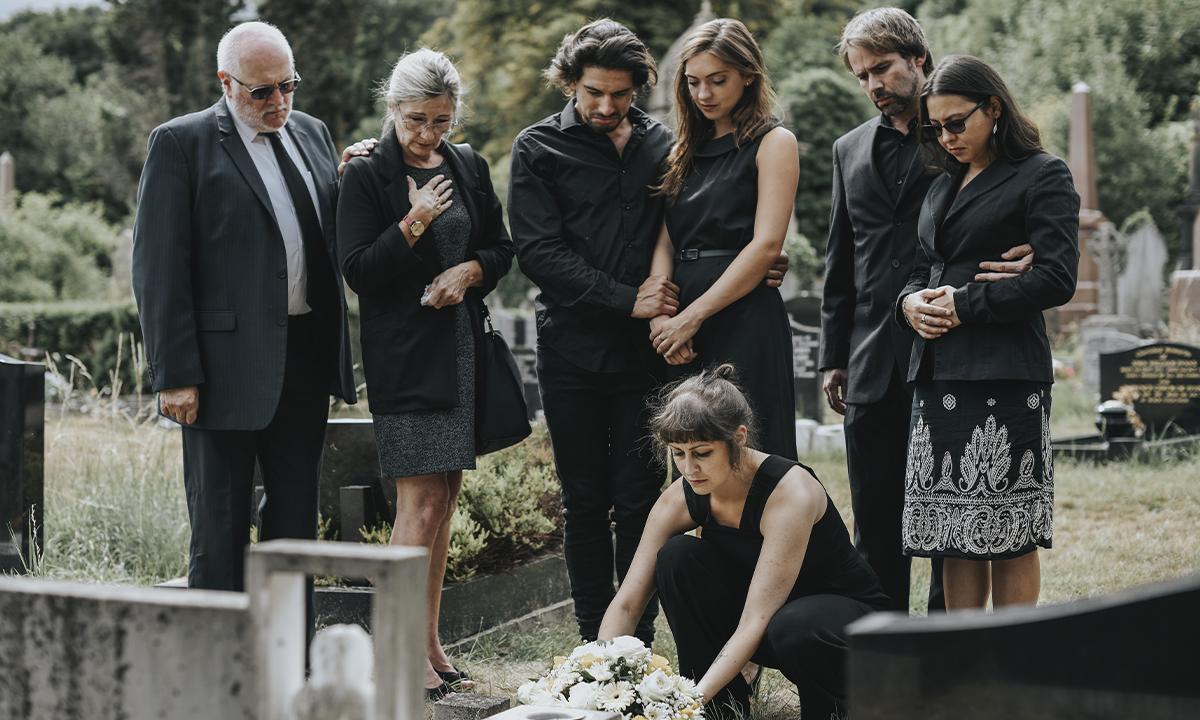Come vestirsi (e non) ad un funerale? Ecco alcuni consigli