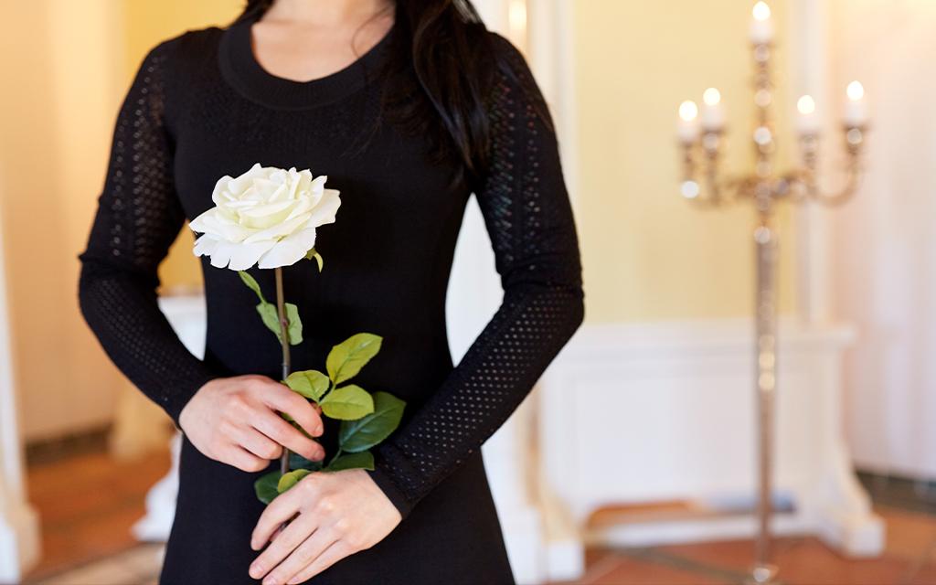 Come vestirti ad un funerale invernale - dress code