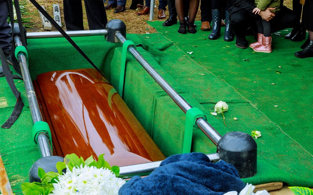 inumazione dopo la celebrazione del funerale