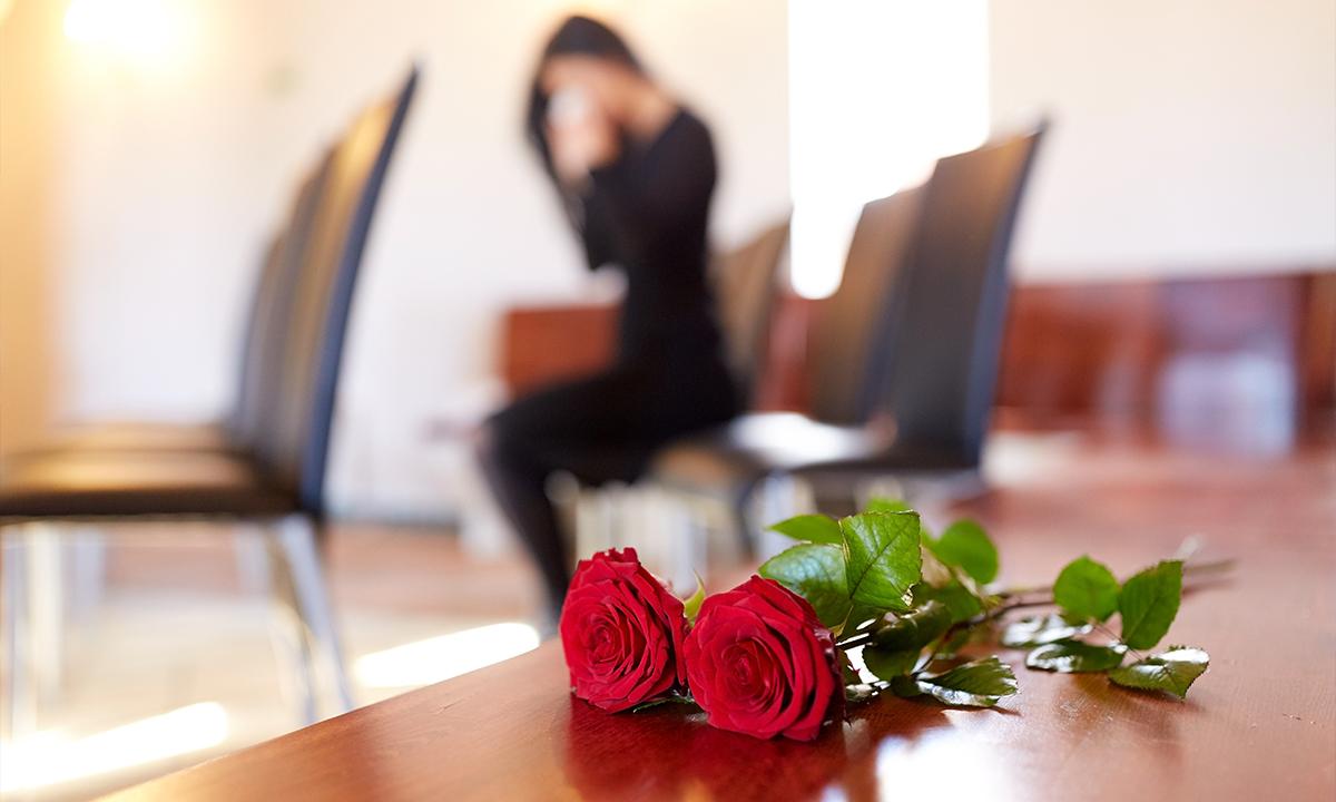Dopo la morte quanto tempo deve passare per il funerale?
