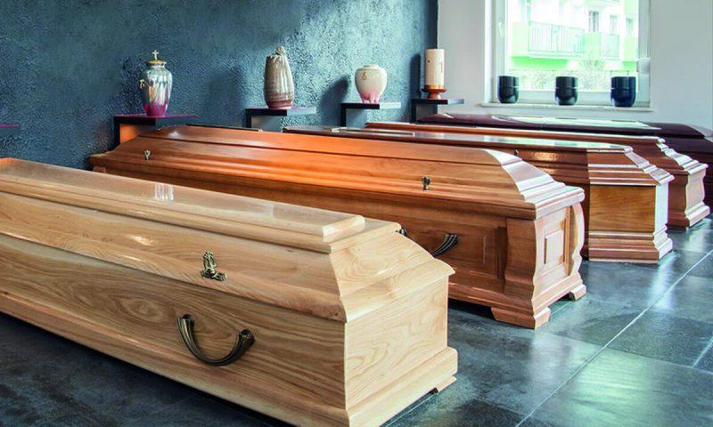 Differenza tra bara e cassa da morto: impara a distinguerle