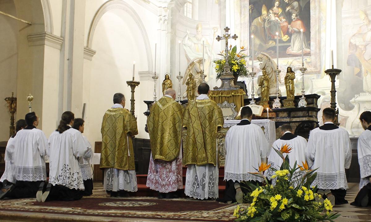 Quanto costa la Messa in suffragio per un defunto